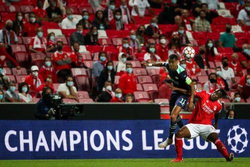 Benfica em ação frente ao PSV Eindhoven no Estádio da Luz em Lisboa, 9/7/2021 (MÁRIO CRUZ/LUSA)