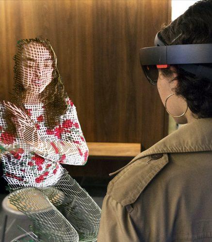 """Fotomontagem: Em """"Terminal 3"""" é possível entrevistar um holograma em Realidade Aumentada / Divulgação: 1RIC"""